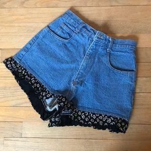 Vintage 🌸 Ruffled High-Waisted Shorts